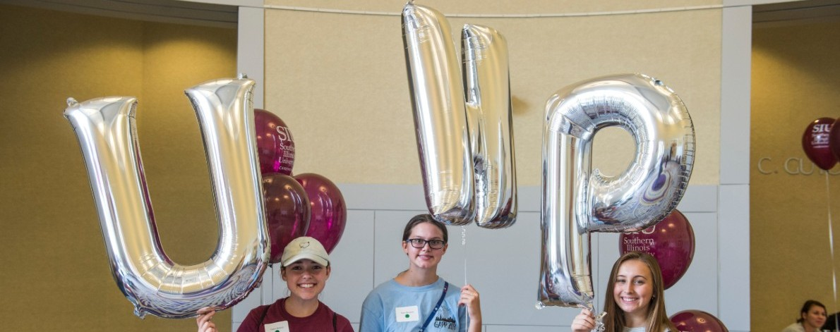 Orientation 2019 students with balloons